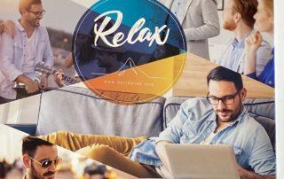 porteurs de lunettes avec des verres Relax